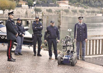 ERW19-robotatgarda-polizia-robot-terra